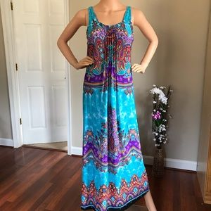 Glamour Dresses - Long Blue dress with beautiful patterns and pleats